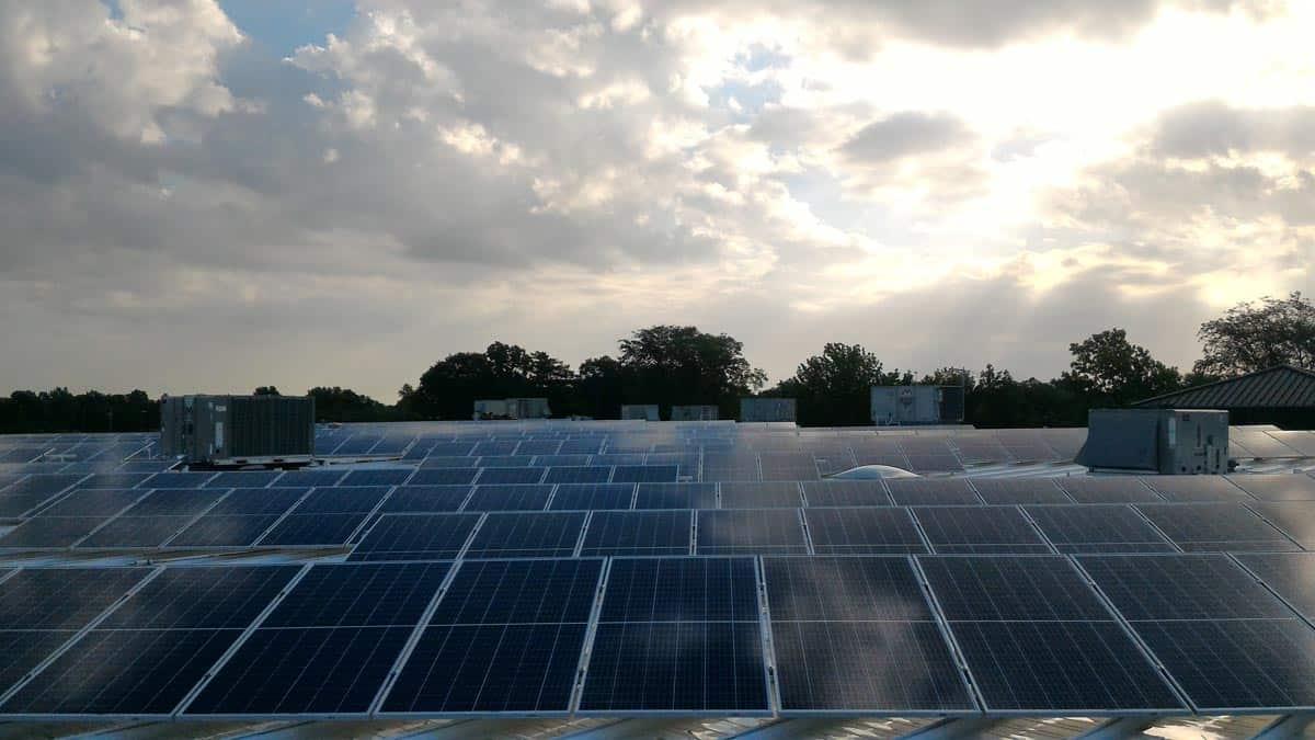 Columbia Independent Schools Rooftop Solar Picture