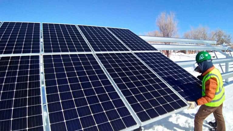 Utility-Scale-Solar-Install-Pic-1