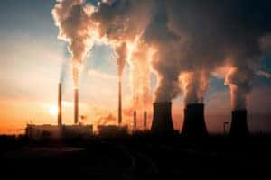Power plant with carbon emissions