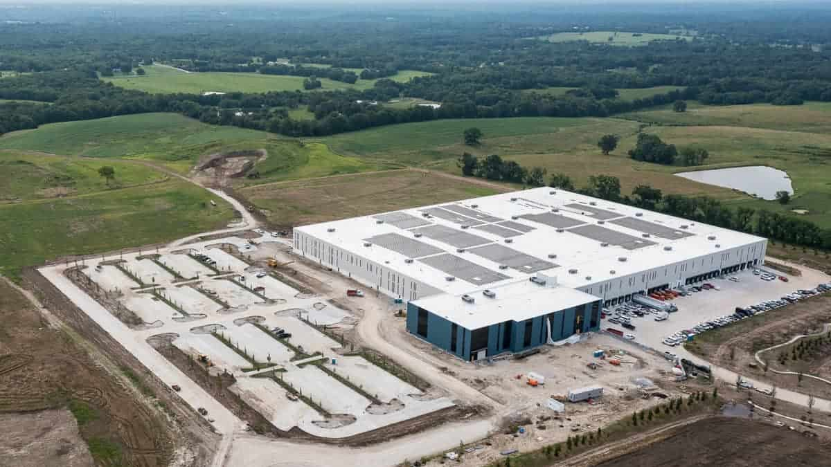 MidwayUSA Headquarters Solar Array