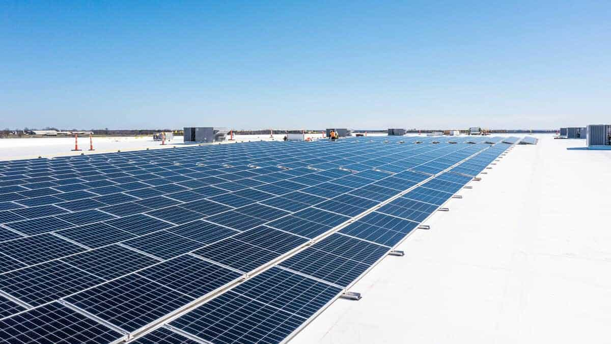 MidwayUSA Complete Solar Array