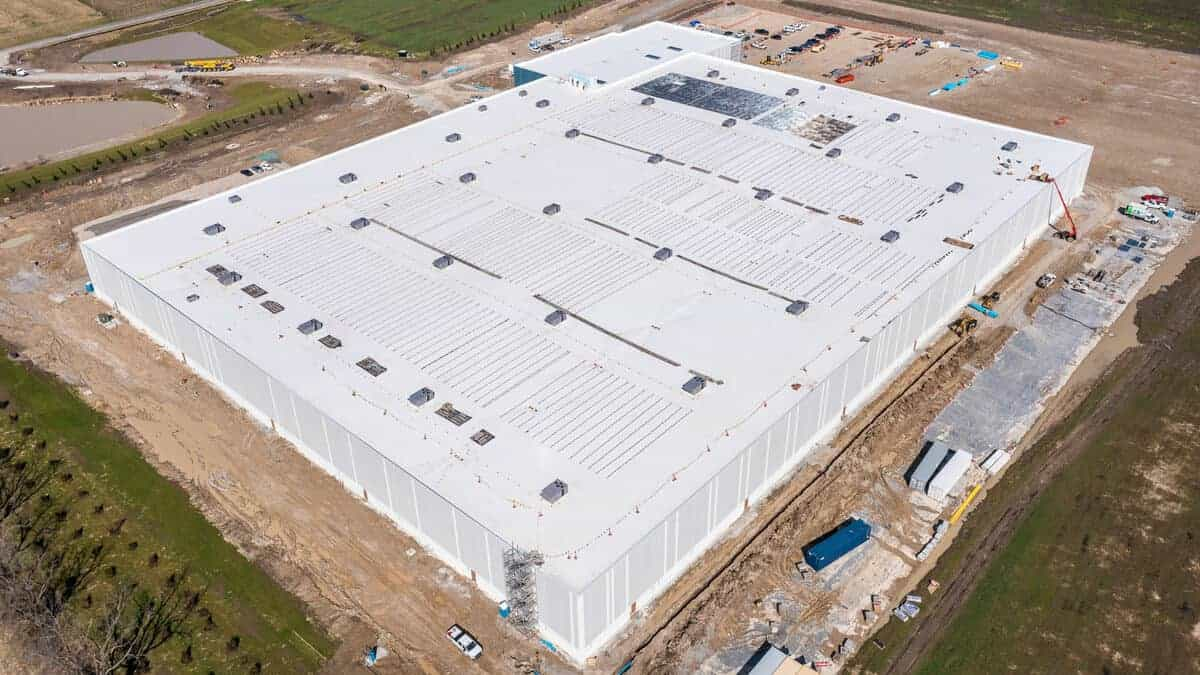 MidwayUSA Roof Drone Shot